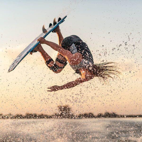 hyperlite-quad-wakesurf-board-2020-action-2